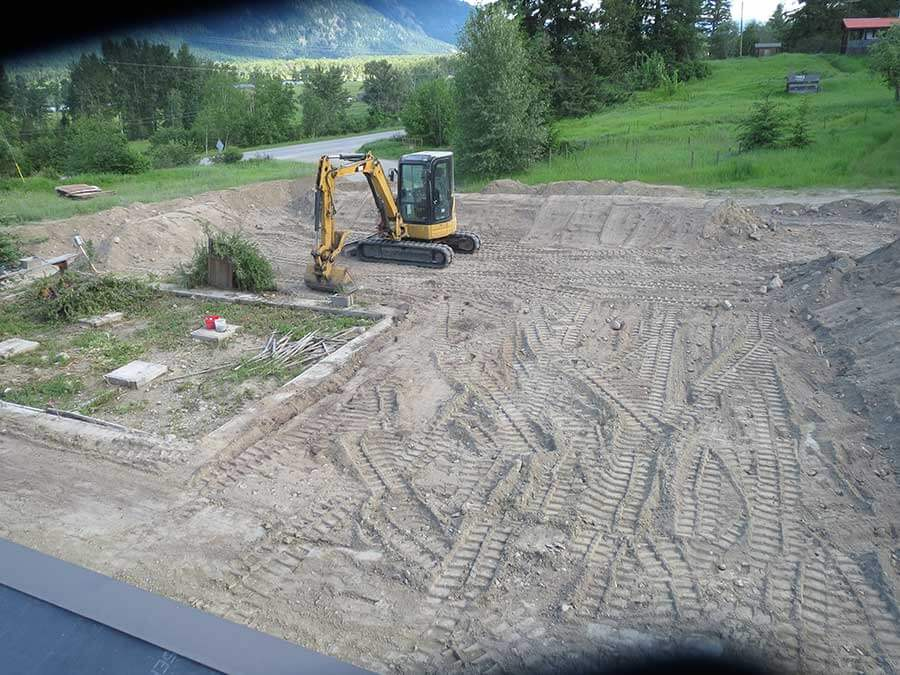 Laying out the land in preparation for the workshop.